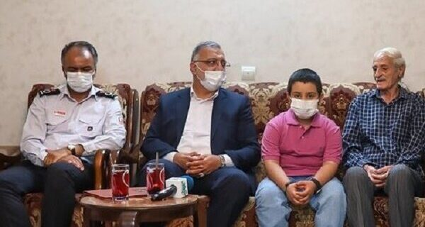 تجلیل شهردار تهران از خانواده شهید آتش نشان