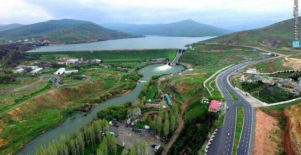 آب سد مهاباد برای احیای یک تالاب بین المللی رهاسازی  شد