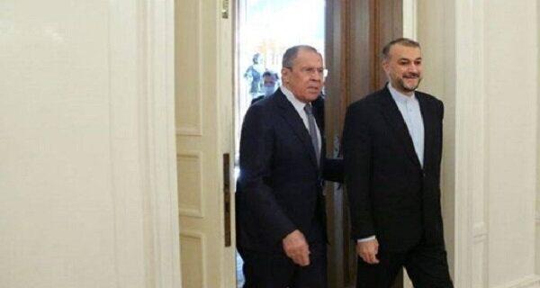 رایزنی تلفنی وزاری خارجه ایران و روسیه/ تبادل نظر درباره«برجام»