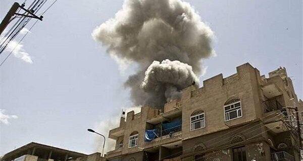 بمباران سنگین «الجوبه» در مأرب یمن از سوی جنگنده های سعودی